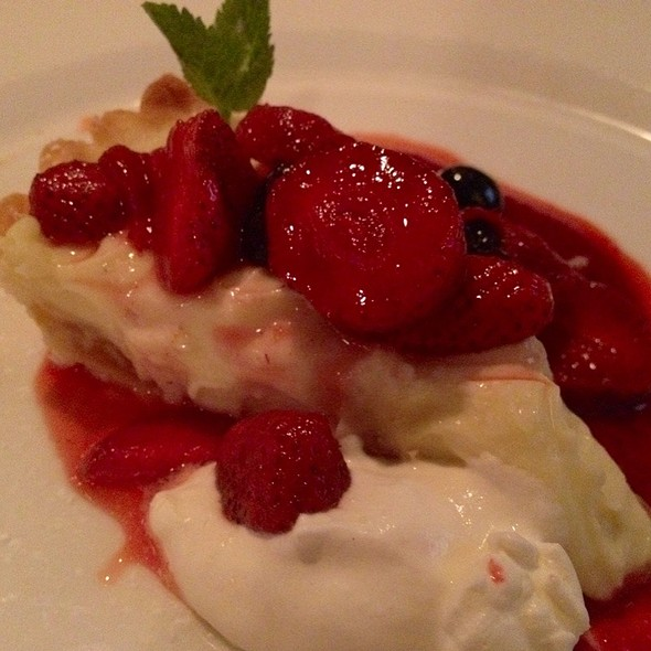 Fruit Tart @ Abbott's Grill