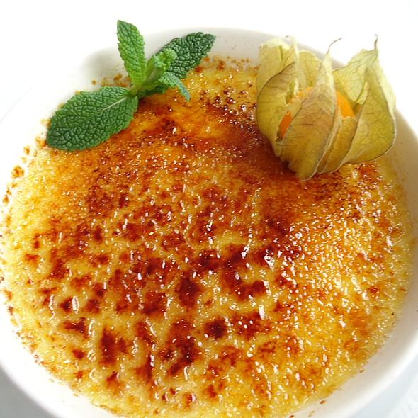 Crème brûlée à l'écorce d'orange @ Restaurant Côté Mer