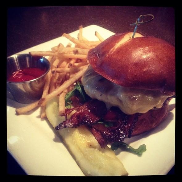 Vigazz Burger @ The Vig