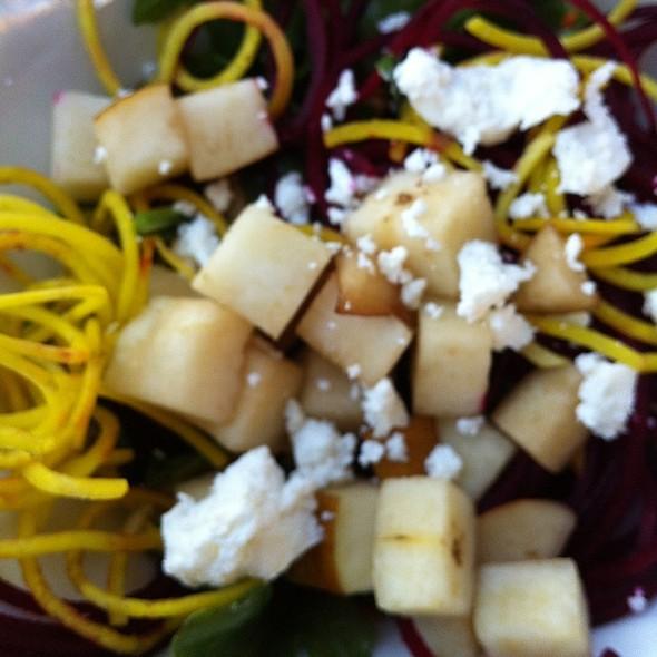 Crispy Beet Salad @ Hula Grill