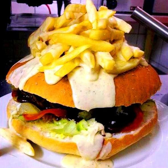 Alchemy Waschbank Makhulu Burger Challenge @ Alchemy Waschbank River Lodge