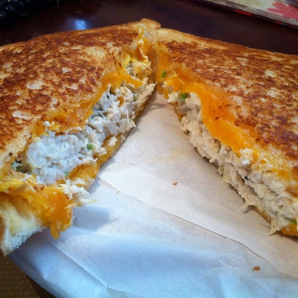Crabby Cheese Melt @ Ms. Cheezious