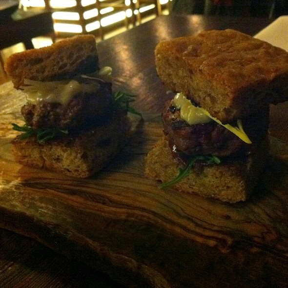 Bison Sliders @ Keriwa Cafe