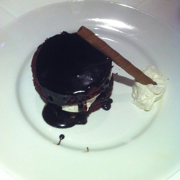 Chocolate Cloud Cake @ Hendricks Tavern