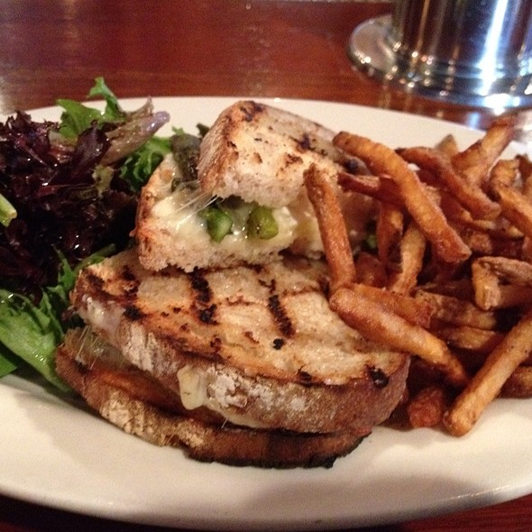 Grilled Cheese Sandwich @ Prohibition Taproom