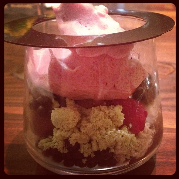 Strawberry And Chocolate Parfait @ Sustenio