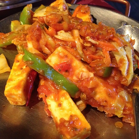 Paneer Tawa Masala With Cabbage Onions And Peppers - Moti Mahal Restaurant - 17th Ave, Calgary, AB