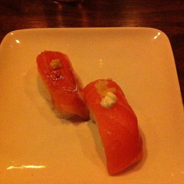 Sake (Salmon) Nigiri @ Uchiko