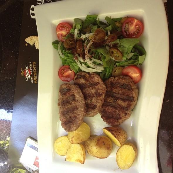 İzgara Et Salata @ RUMELİ CAFE