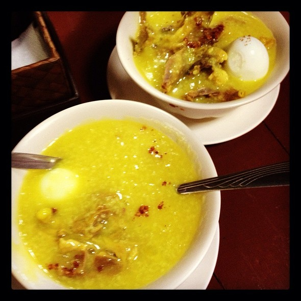 Chicken Arroz Caldo with Egg @ Luna's Arrozcaldo