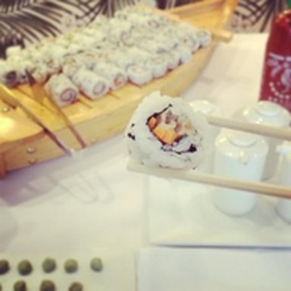 Sushi @ Vesper American Brasserie