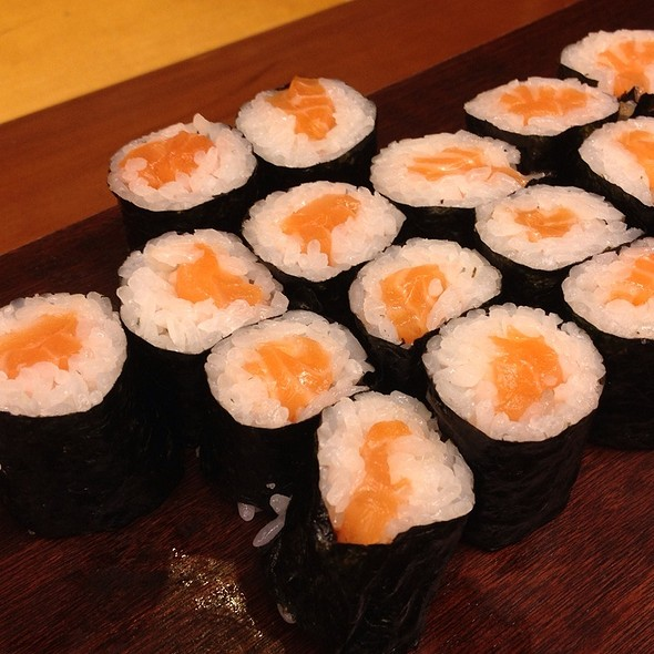 Salmon sushi roll @ Cafe IMA