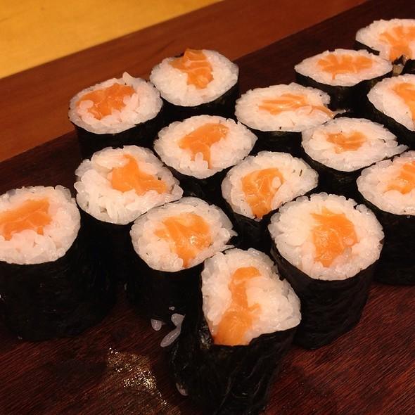 Salmon sushi roll @ Cafe IMA