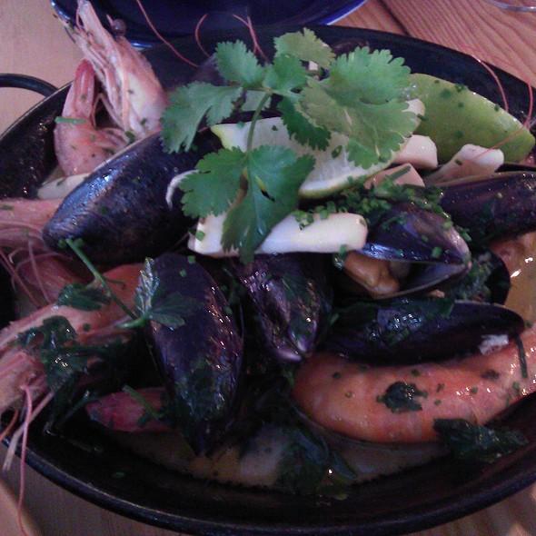 Seafood 'Al Mojo de Ajo' @ Café des Amis