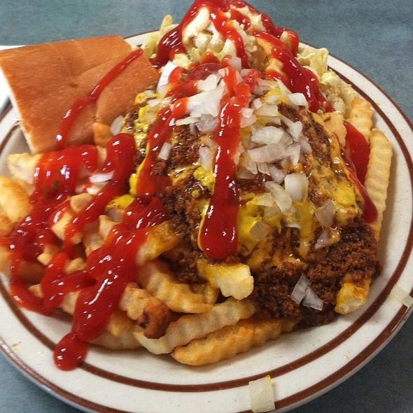 Cheeseburger Garbage Plate @ Mark's Texas Hots