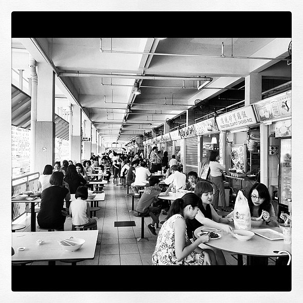 i #love lunchtime @ my favorite  centre which is in da neighborhood. wheeeeee. #igsg #singapore #asia #instagram_sg @ Old Airport Road Market & Food Centre