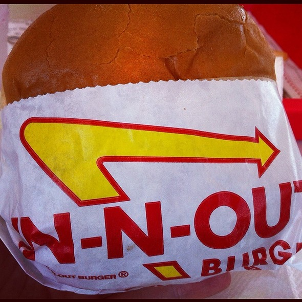 Cheeseburger @ In-n-out Burger