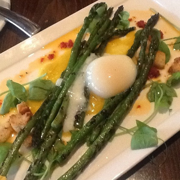 Grilled Asparagus Salad @ 8407 kitchen bar