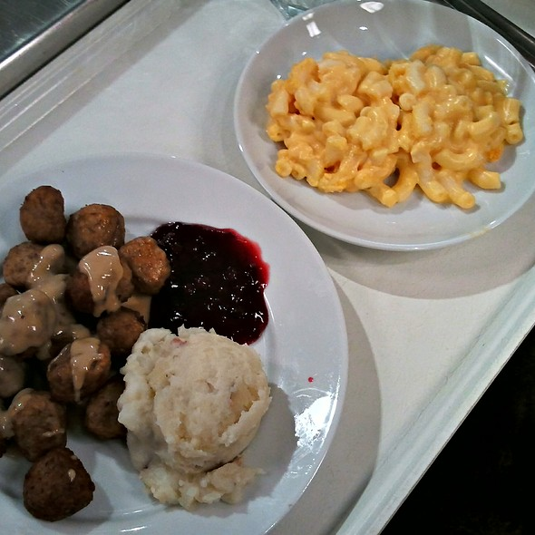 IKEA Swedish Meatballs @ IKEA Paramus, NJ