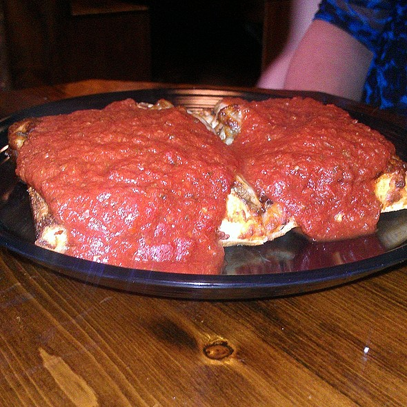 Deep Dish Pizza @ Mother Bear's Pizza