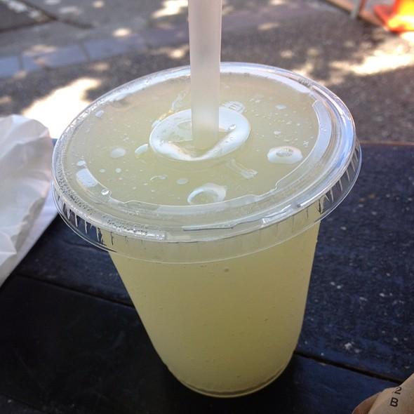 Lemon Ice @ Bakesale Betty