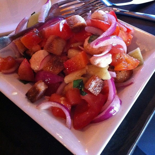 Caprezanella Salad - Small @ Urbn