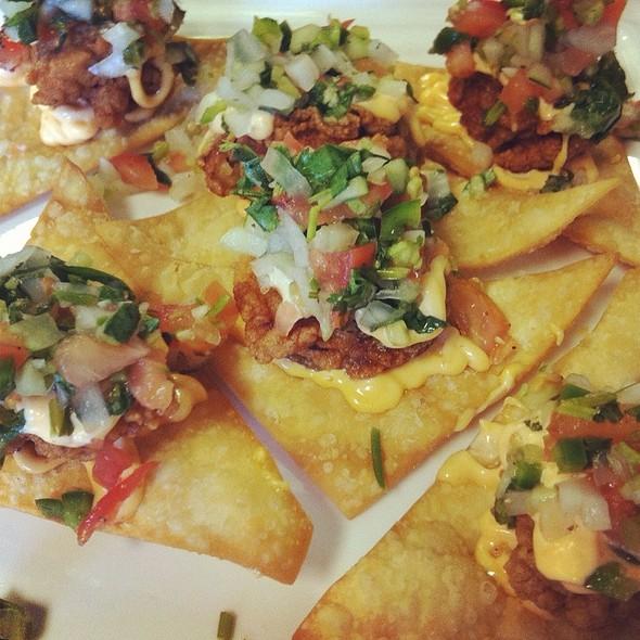 mojito, oysters and nachos @ Cajun Kitchen