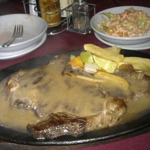 T-bone steak @ House of Minis
