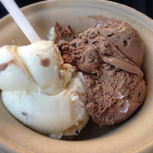 Fresh Mint & Dark Chocolate w/ Cacao nibs @ Carmela Ice Cream