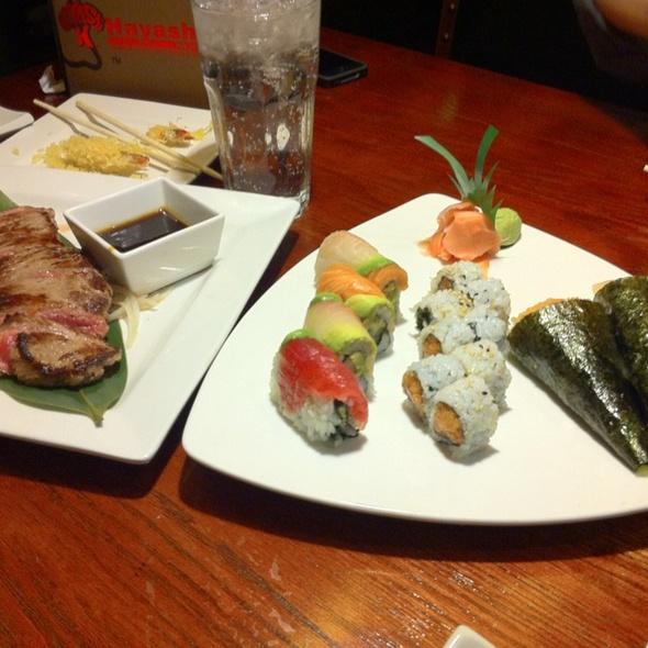 Spicy Tuna Hand Roll @ Hayashi Hibachi