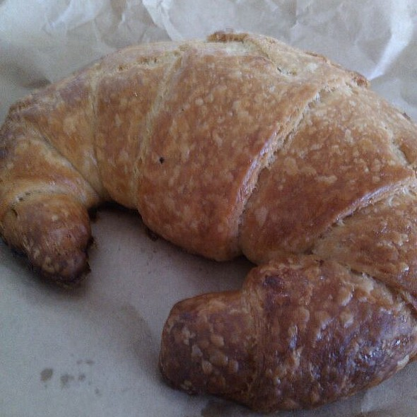 Fresh Crossiants Daily @ Shell Select Shop