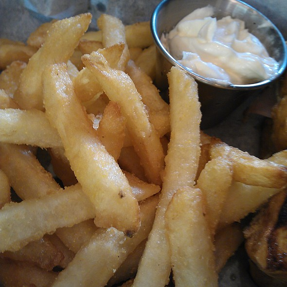 Garlic Fries @ Sassy JAC's