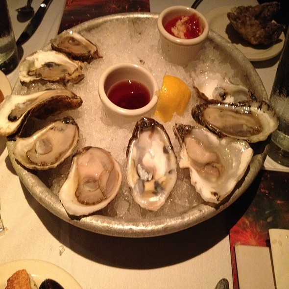 Assorted Raw Oysters @ Old Ebbitt Grill