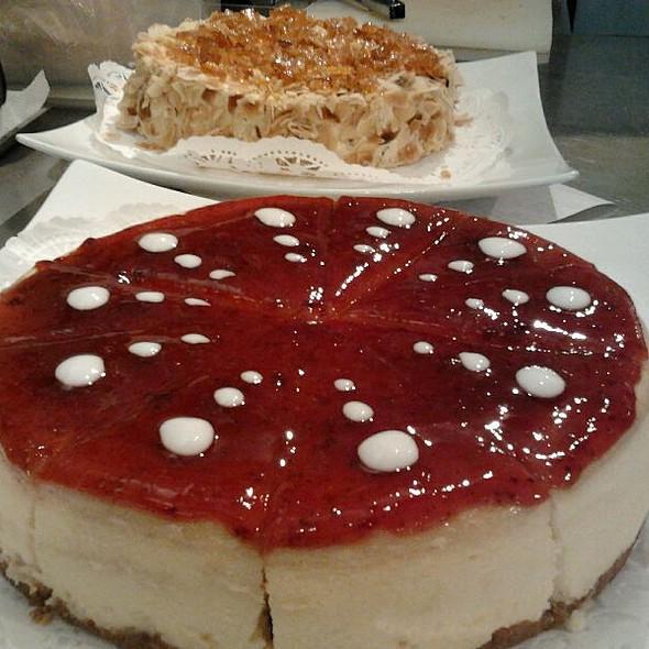 Cake @ Le Jeune Café