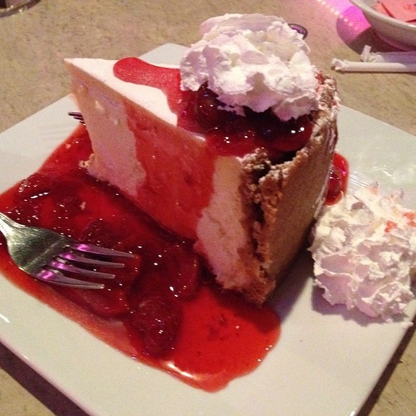 Ny Deli Cheesecake @ Atlantis Casino Resort Spa: Purple Parrot 24 Hour Restaurant