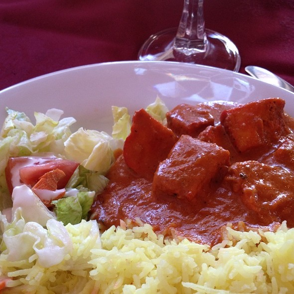 Lunch Special Butter Chicken & Salad @ Puspa Restaurant