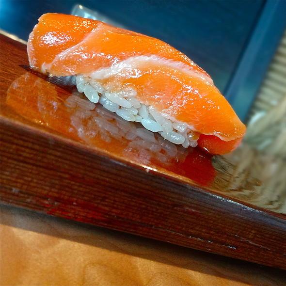 Umi Masu Sushi <Seasonal>/ Ocean Trout/ Tasmainia - Sushi Ran, Sausalito, CA