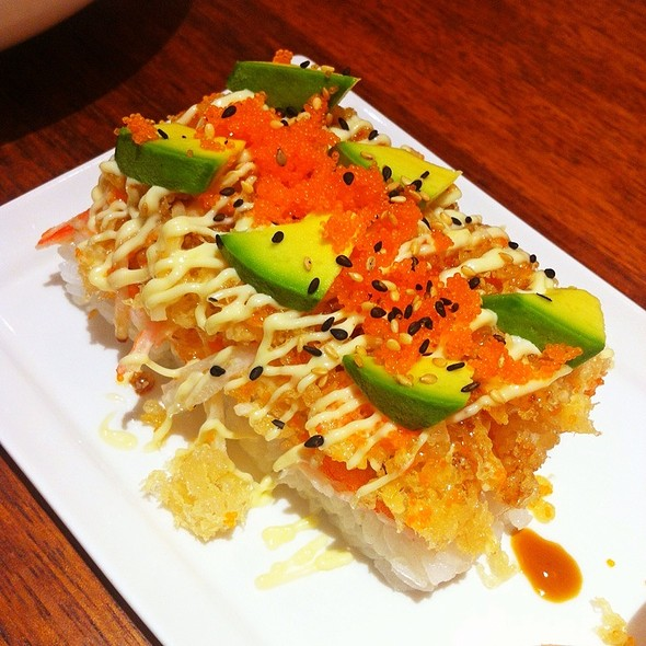 Crunchy Tempura Flake Chirashi - ชิราชิเทมปุระเฟลค @ On the table Tokyo Cafe l Central Ladpraw