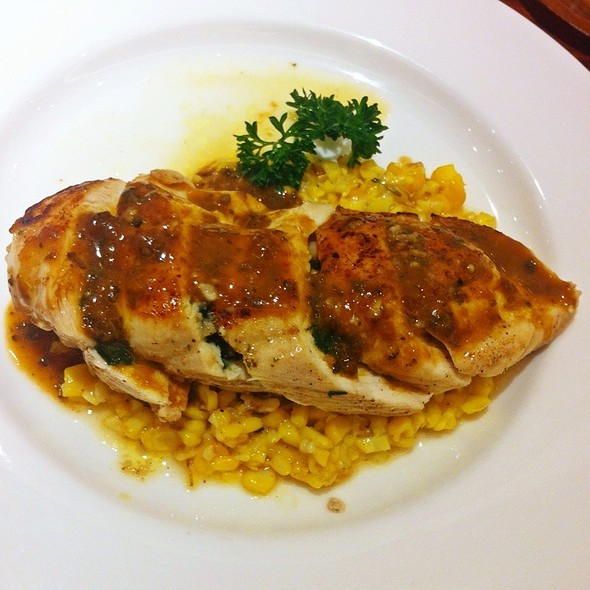 Stuffed Chicken Breast @ On the table Tokyo Cafe l Central Ladpraw