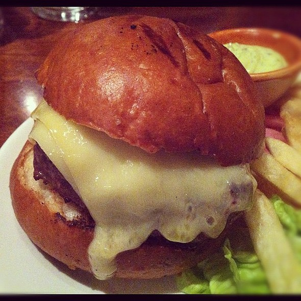phenomenal burger. thanks for the rec @nic_howell + @michellesafi! @ Nopa