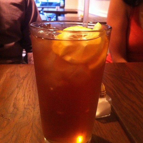 Sweet Tea @ Bobwhite Counter