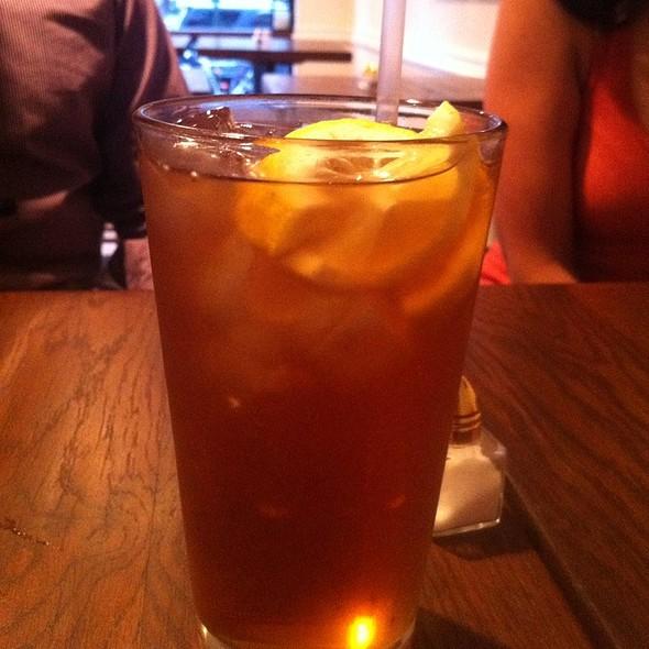 Sweet Tea @ Bobwhite Counter