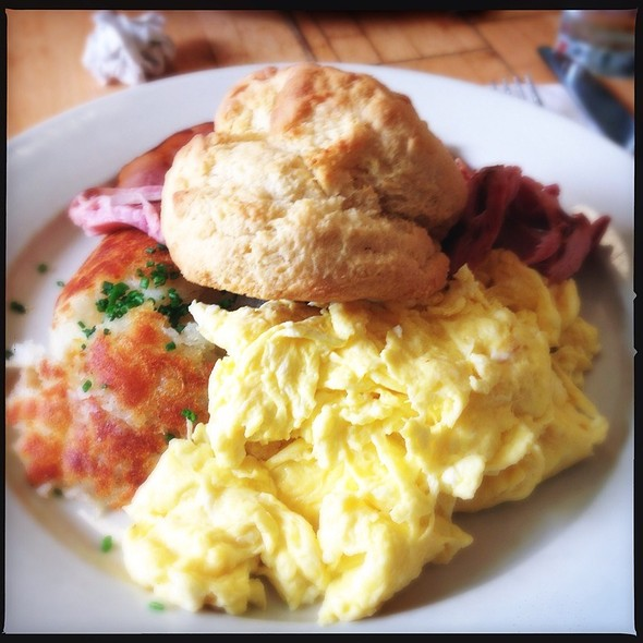 Country Breakfast @ Clinton Street Baking Co