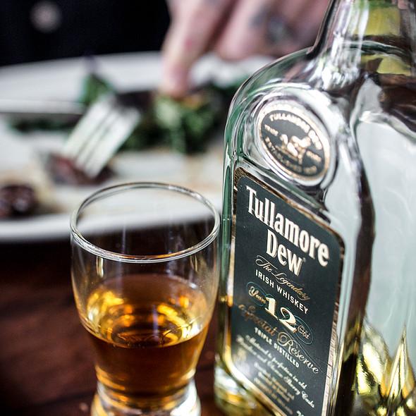 tullamore dew - de Vere's Irish Pub - Sacramento, Sacramento, CA