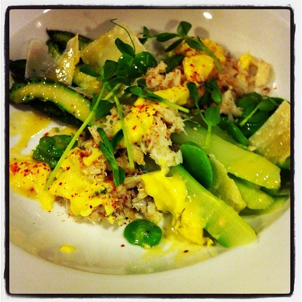 Cecci Farms Asparagus And Dungeness Crab Salade @ Rue Saint Jacques Restaurant
