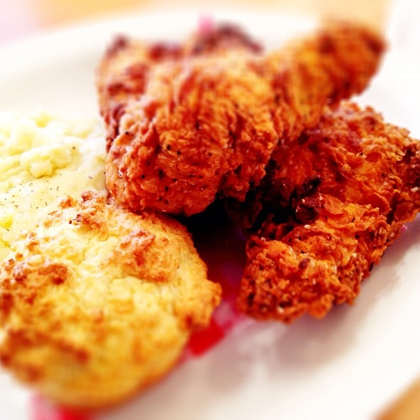 fried chicken @ Hadley's