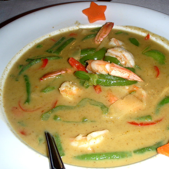 Shrimp With Green Curry And Vegetables @ Blue Elephant Royal Thai Csn