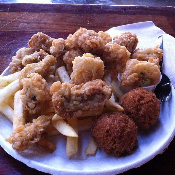 Fried Oyster Platter @ Bowen's Island