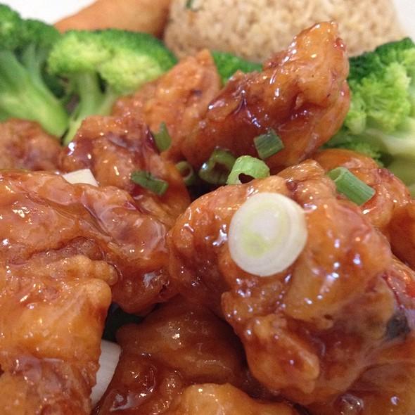 General Tso's Chicken @ Golden Phoenix Vietnamese Restaurant