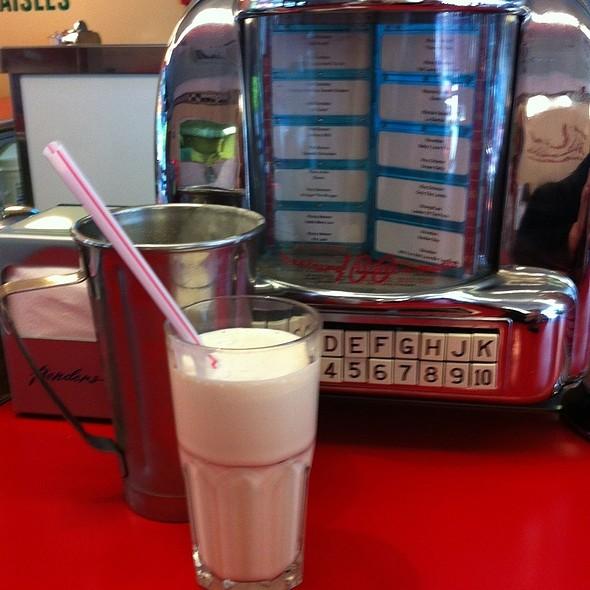 Butterscotch Milkshake @ Ed's diner